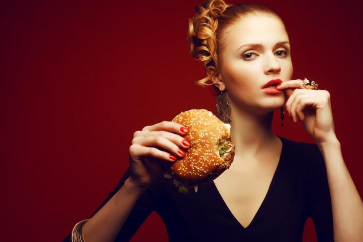 Можно ли похудеть на чипсах с печеньем?